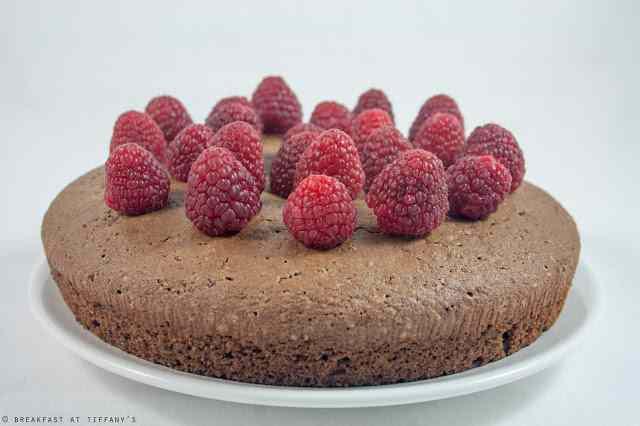 Ricetta: Torta al cioccolato light con lamponi - Chocolate and raspberries light cake recipe