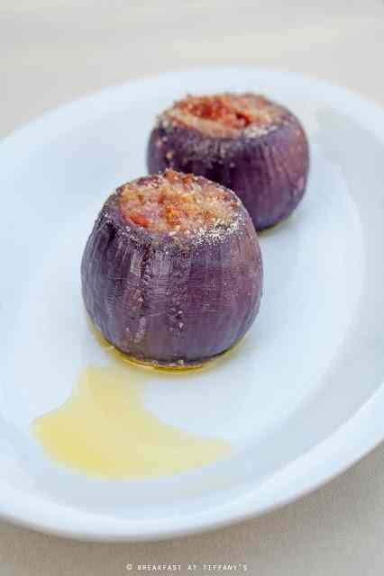 Ricetta: Cipolle rosse farcite con pecorino e pomodori secchi