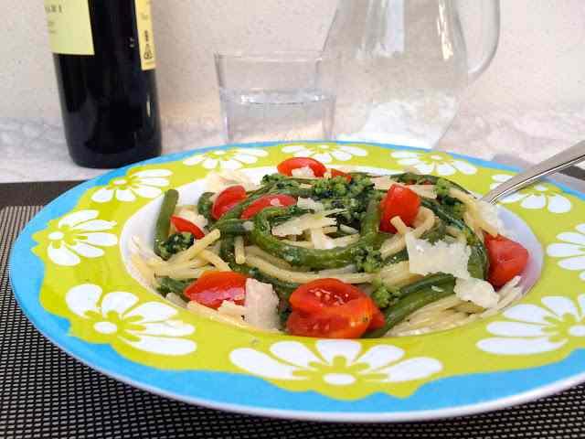 Ricetta: Spaghetti al pesto coi fagiolini di sant'anna