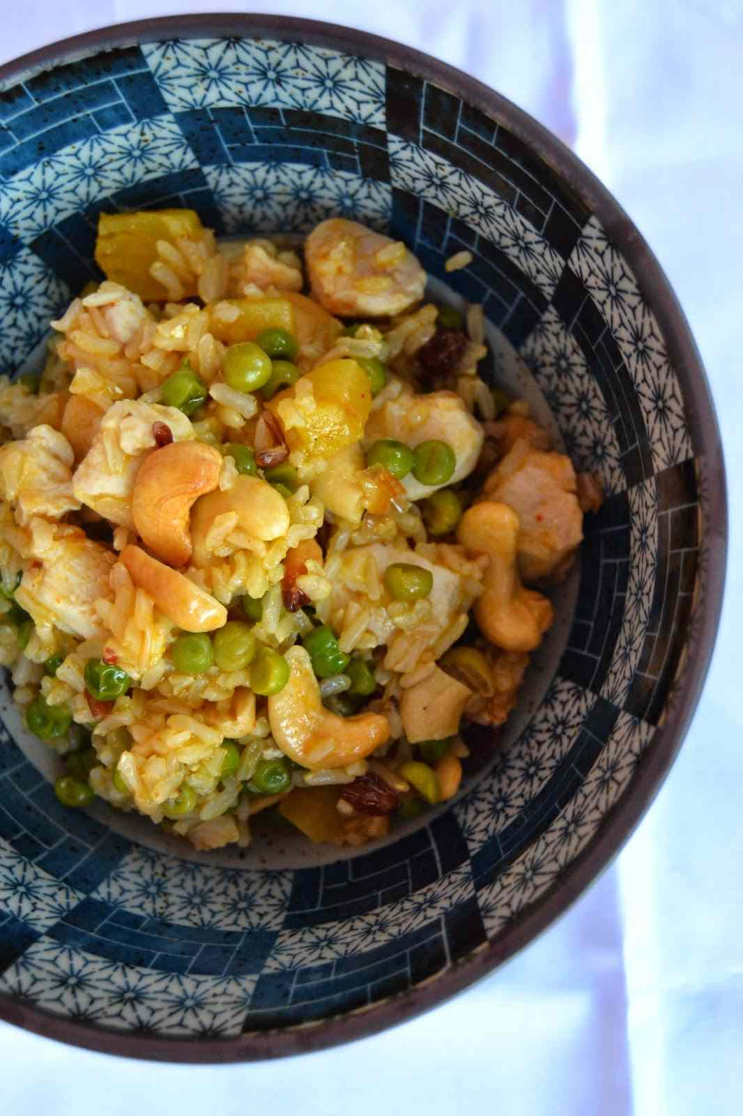 Biryani di ananas, verdure e pollo