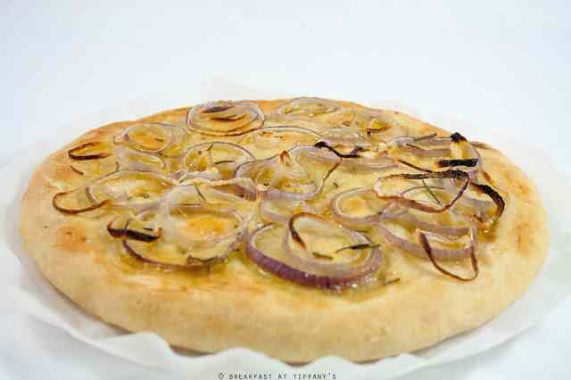 Ricetta: Focaccia con cipolla rossa e miele / Red onion and honey focaccia recipe