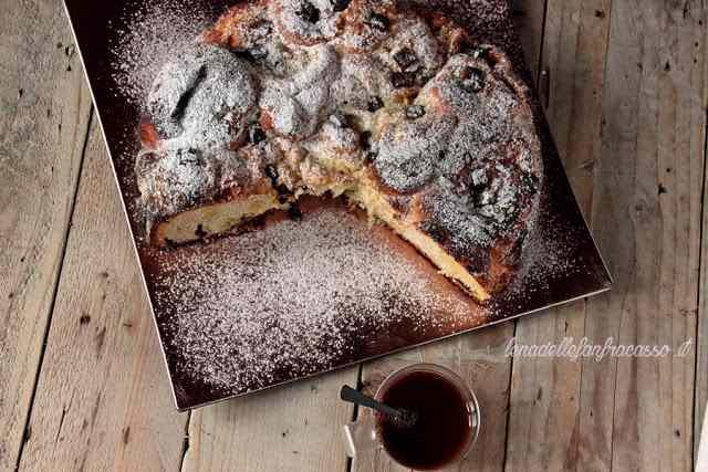 Ricetta: Torta di rose con cioccolato e crema pasticcera