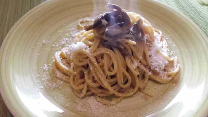 Spaghetti carciofi e acciughe