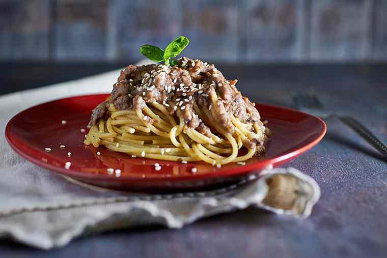 Ricetta: spaghetti con crema di radicchio