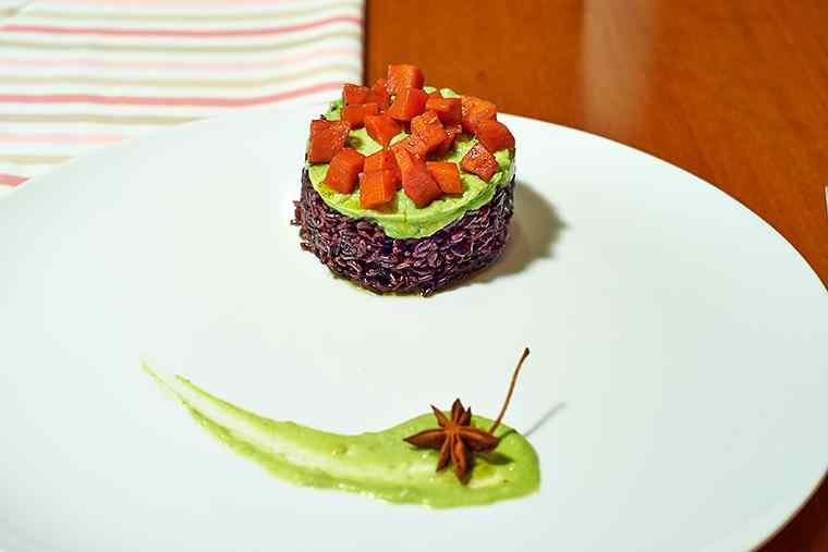 Ricetta: venere con avocado e carote speziate