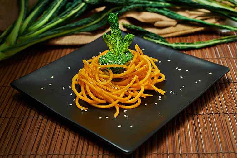 Ricetta: Zucca noodles con cavolo nero