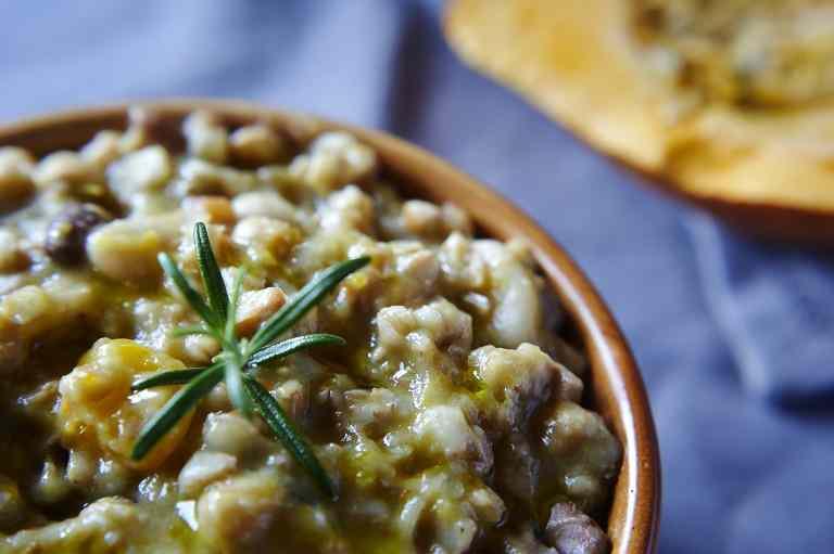 Ricetta: Zuppa di farro con legumi e zucca