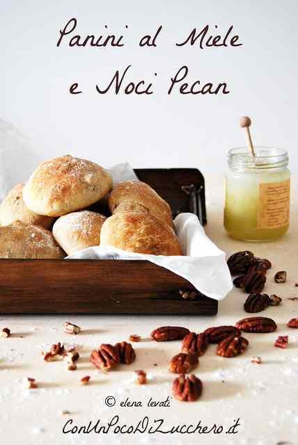 Ricetta: Panini al miele e noci pecan