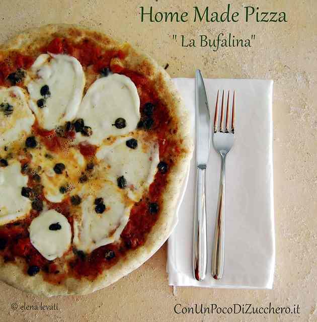 Ricetta: Pizza fatta in casa: La Bufalina. E un pensiero a tutte le Bloggalline.