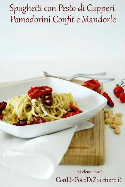 Ricetta: Spaghetti con pesto di capperi, pomodorini confit e mandorle
