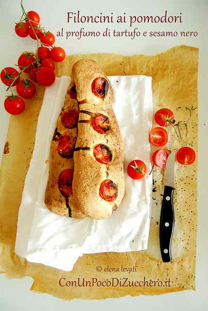 Ricetta: Filoncini di pane ai pomodori (senza impasto)