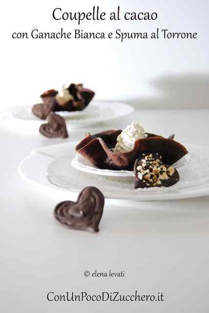 Ricetta: Dolce di San Valentino: Coupelle al cacao con ganache bianca e spuma al torrone