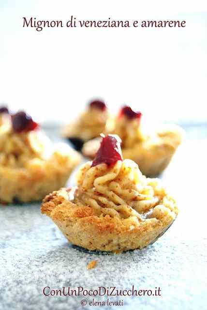 Ricetta: Finte tartellette mignon con mandorle e amarene