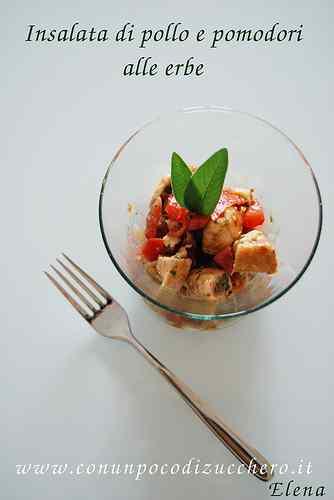 Ricetta: Insalata estiva di pollo e pomodori alle erbe