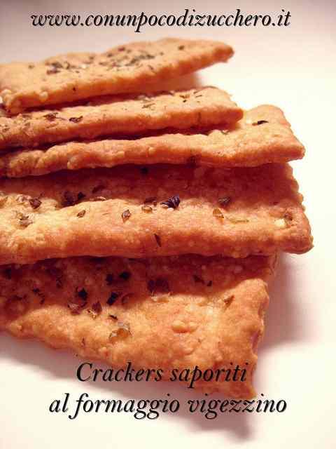 Ricetta: Crackers saporiti al formaggio vigezzino