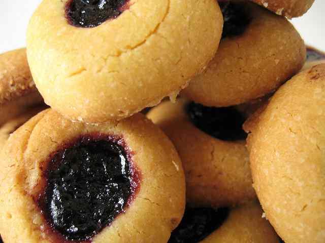 Ricetta: Biscottini con cuore al mirtillo