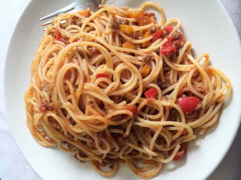 Ricetta: Spaghetti al ragu ai peperoni