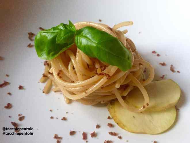 Ricetta: Spaghetti con mela cotogna e bottarga di tonno