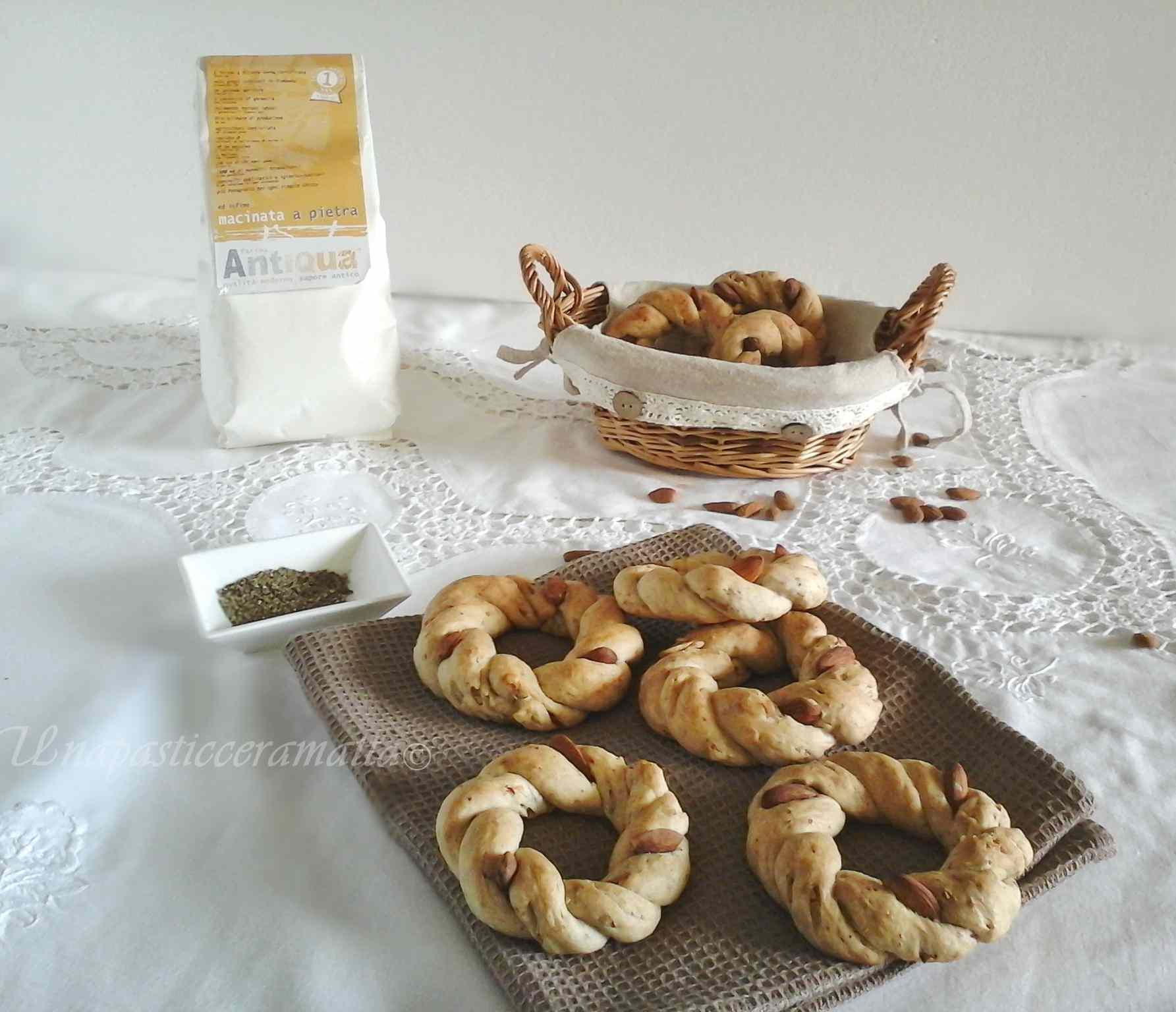 Ricetta: Taralli sugna e pepe con pasta madre ( dosi con lievito di birra )