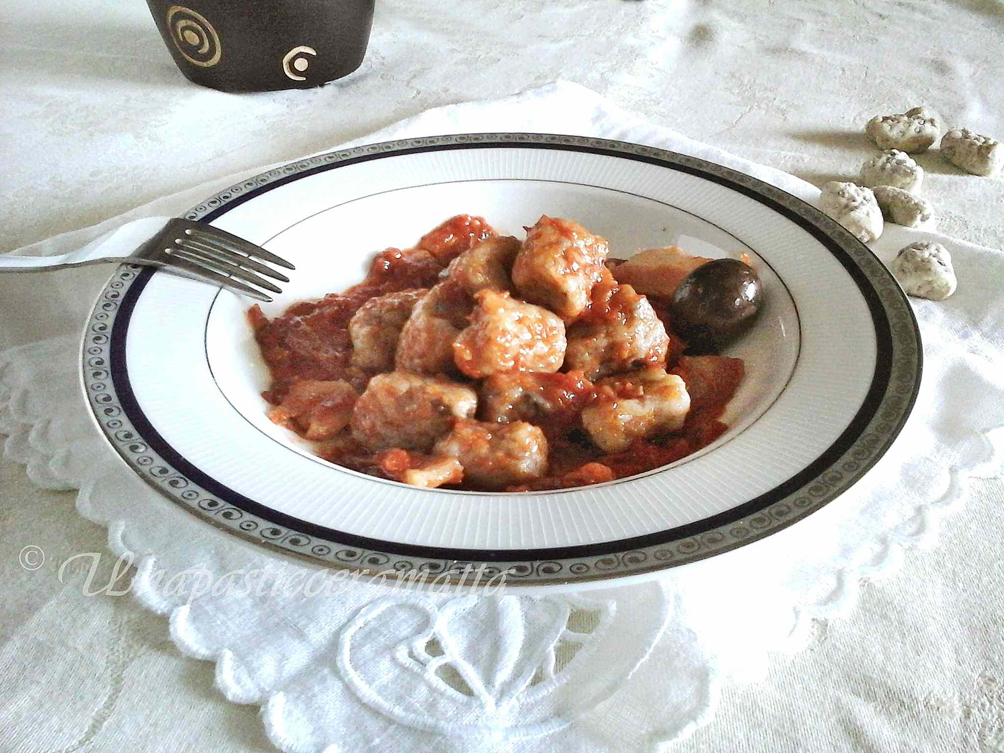 Ricetta: Gnocchi con impasto alle olive in salsa tipo amatriciana