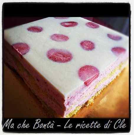 Ricetta: Giardino di fragole (strawberry field mousse cake)