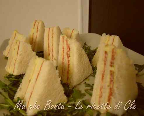 Ricetta: Mini sandwiches al salame (one bite size salami sandwiches)