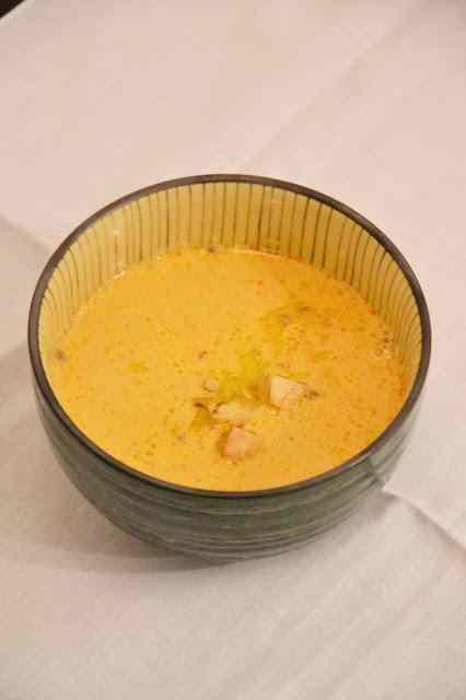 Bisque di gamberetti con lenticchie e tofu