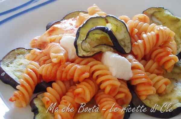 Ricetta: Pasta con melanzane e mozzarella