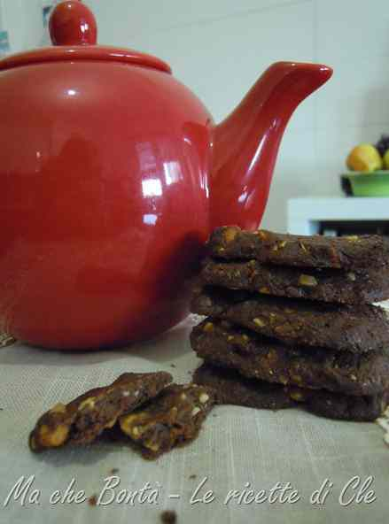 Ricetta: Fettine langarole e anche un po' saracene (biscuit with nuts and buckwheat)