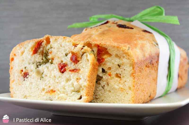 Ricetta: Pane allo Stracchino e Pomodori Secchi