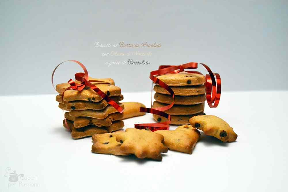 Biscotti al Burro di Arachidi con Okara di Nocciole e gocce di Cioccolato