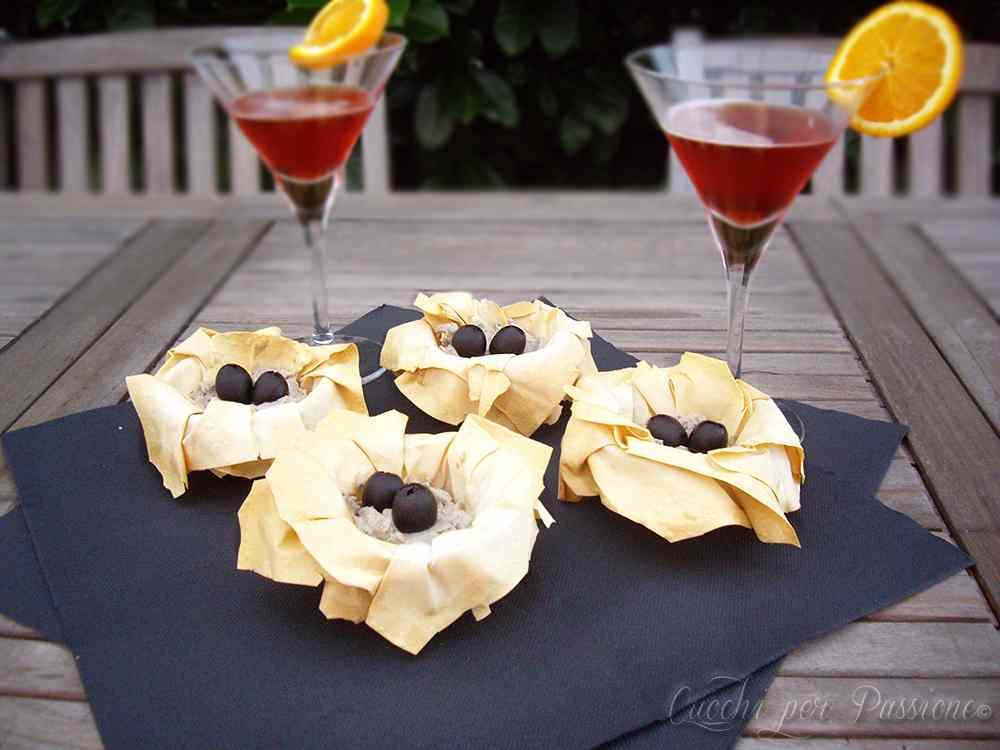 Ricetta: Cestini di Pasta Fillo con Mousse di Tonno e Olive nere
