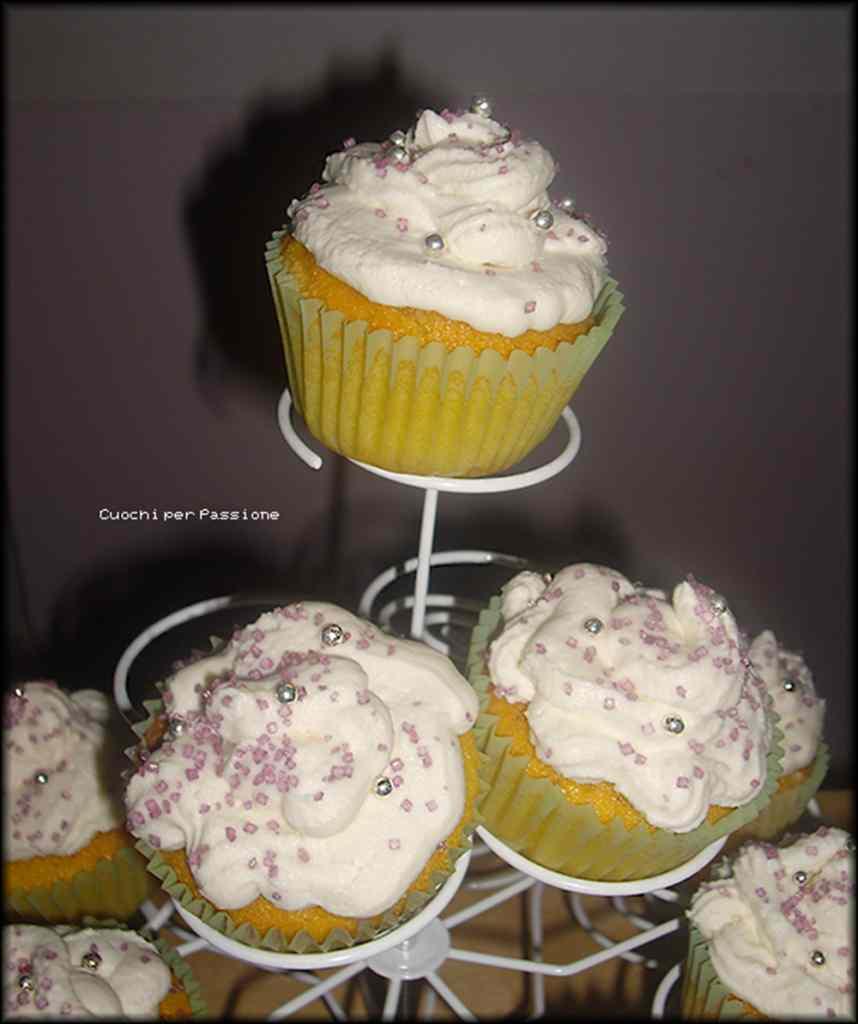 Ricetta: Cupcakes alla Zucca e Carote con frosting al Mascarpone e Panna