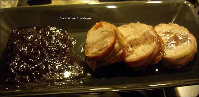 Ricetta: Filetto di Maiale lardellato al forno, con Riduzione al Vino rosso e Composta di Cipolle di Tropea