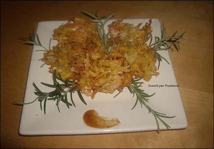 Ricetta: Frittelle di Patate e Scamorza al Rosmarino