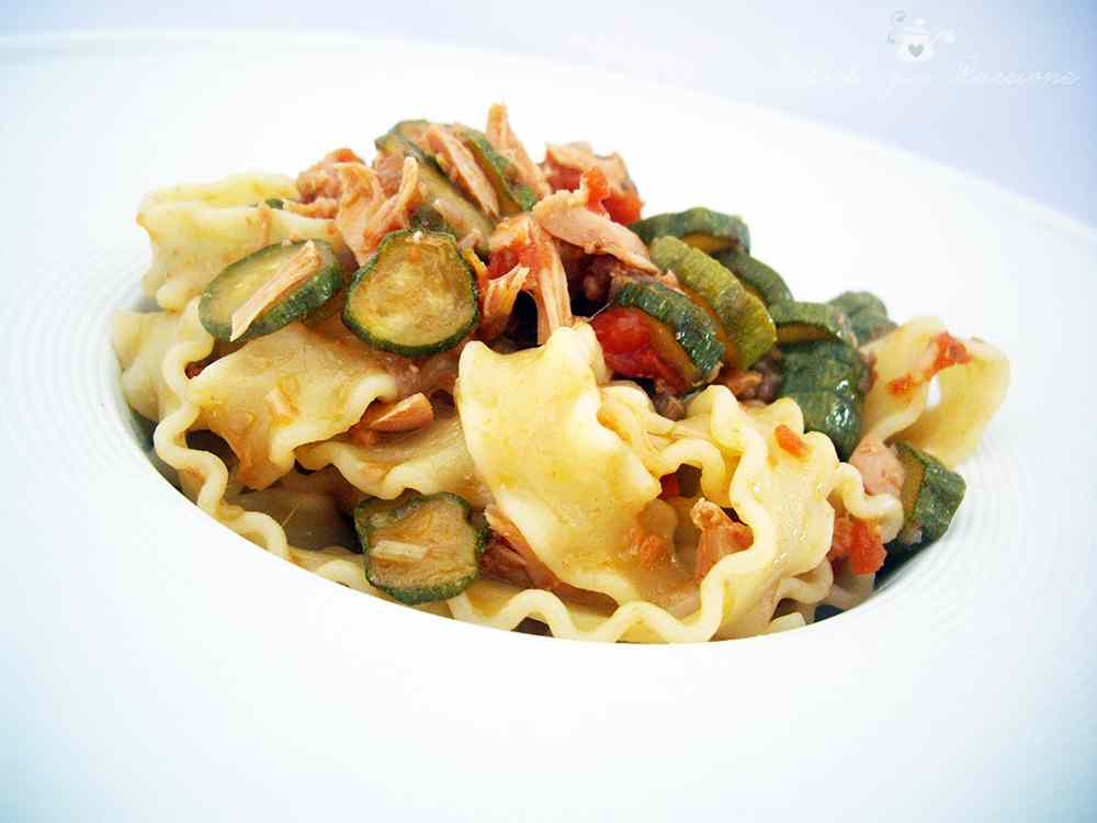 Ricetta: Mafalde con Zucchine, Pomodorini e Tonno