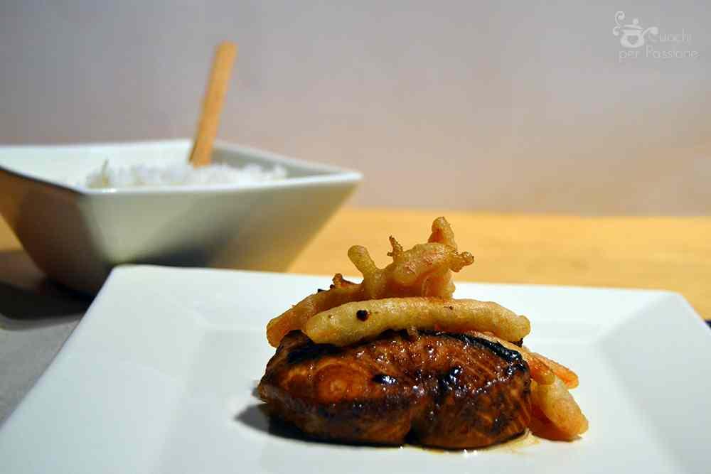 Ricetta: Salmone in salsa Teriyaki con Tempura di Carote e Riso Gohan