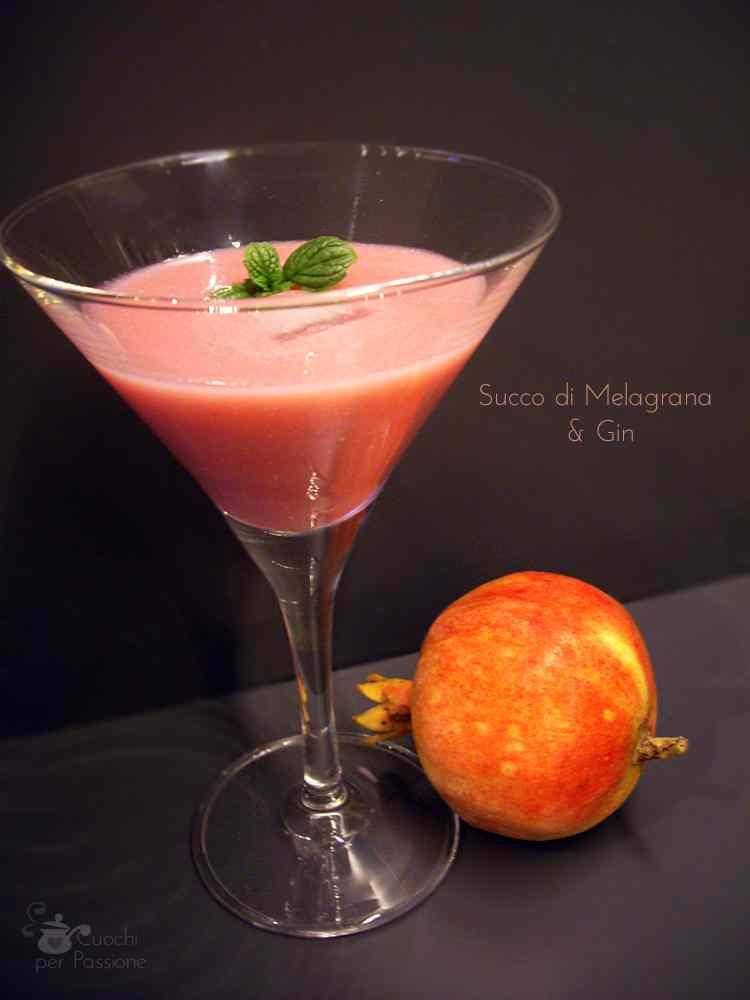 Ricetta: Succo di Melagrana - L'analcolico e l'alcolico base Gin