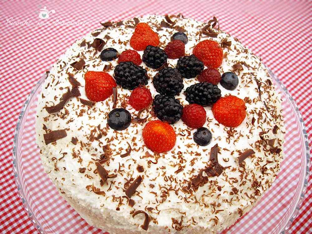 Ricetta: Torta doppio Cioccolato con Panna e Frutti di bosco