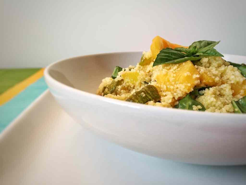 Ricetta: Cous cous con zucchine e pesche