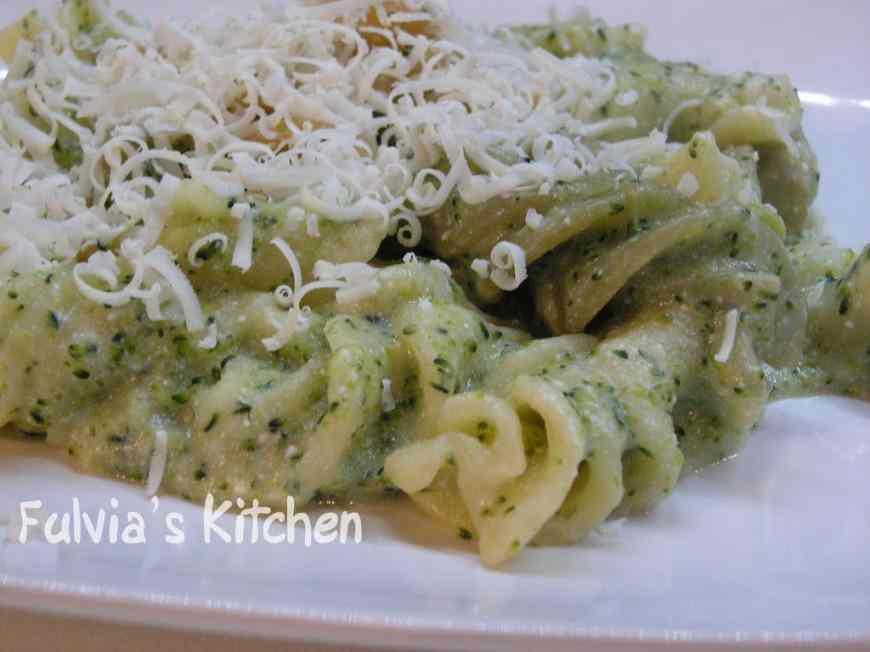 Ricetta: Eliche morbide ai broccoletti