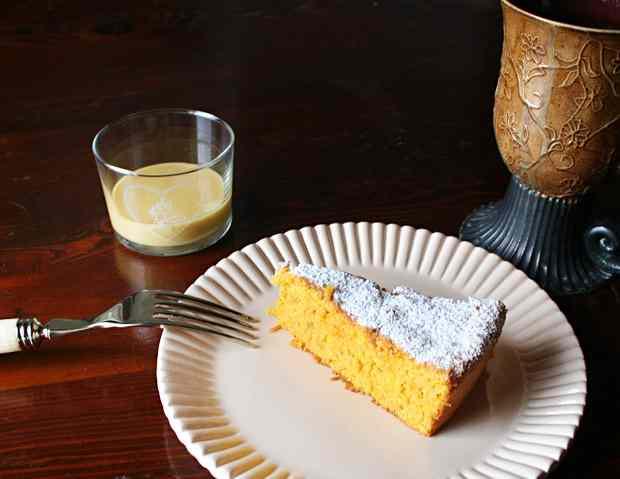 Ricetta: Torta alle carote e lemon curd
