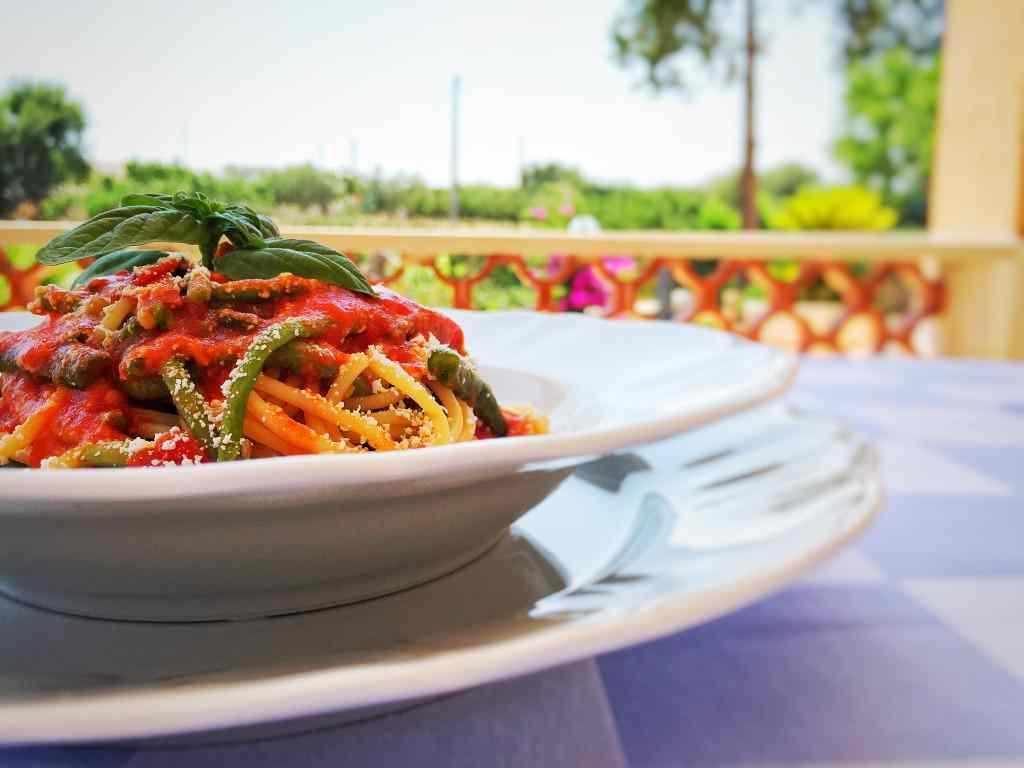 Ricetta: Spaghetti con fagiolini, pomodoro e cacioricotta
