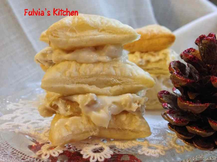 Ricetta: Mini millefoglie con gorgonzola, ricotta e noci