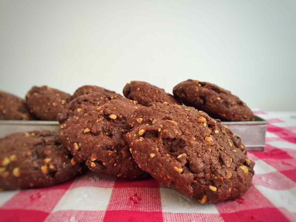 Ricetta: Cookies al cioccolato con cuore di Nutella
