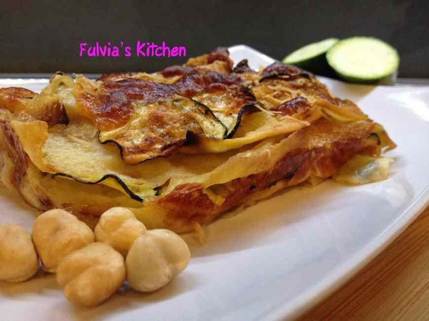 Ricetta: Lasagne di pane guttiau con speck, zucchine e mozzarella