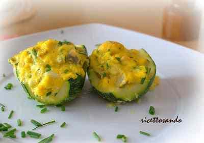 Ricetta: Zucchine ripiene con uova strapazzate