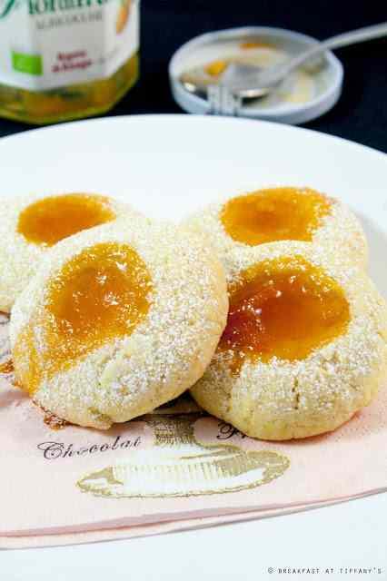 Ricetta: Biscotti con fiordifrutta all\'albicocca / apricot organic fruit spread cookies recipe
