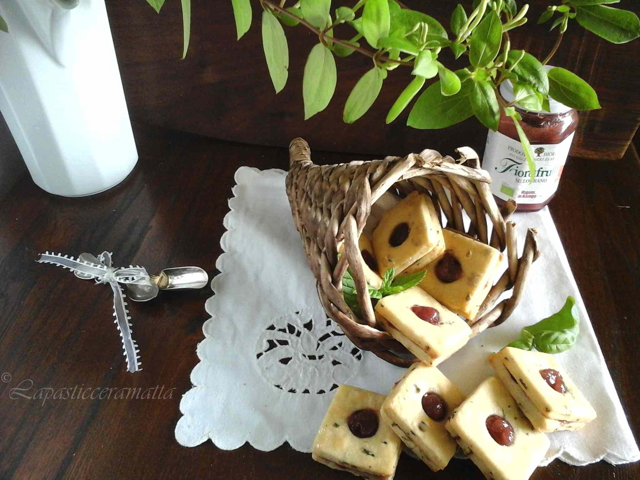 Biscotti allo yogurt menta e basilico farciti