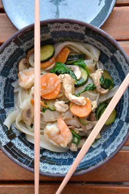 Ricetta: Tagliatelle di riso con verdure primaverili croccanti